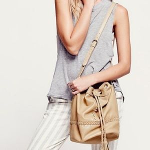 FREE PEOPLE Tempest Bucket Bag Natural